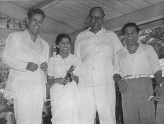 Vasant desai(left), Lata Mangeshkar, Writer Pralha #bollywoodirect #bollywood #music #legends #rarepic