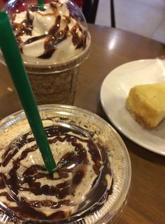 My favourite Tiramisu Coffee Latte by Starbucks ☕️