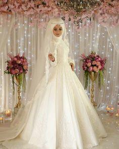 Muslim Wedding Gown, Muslimah Wedding Dress, Wedding Dresses 2018, Pakistani Wedding Dresses, Bohemian Wedding Dresses, Bridal Dresses, Wedding Hijab Styles, Marie Laporte, Bridal Hijab