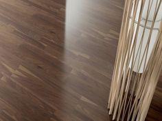 OŘEŠÁK ČERNÝ EVROPSKÝ NATURE OLEJ - Parador Eco Balance třívrstvá dřevěná podlaha plovoucí Hardwood Floors, Flooring, Wood Floor Tiles, Hardwood Floor, Wood Flooring, Floor, Paving Stones, Floors, Wood Floor