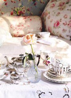 rose, tea parti, tea time, tea sets, shabby chic