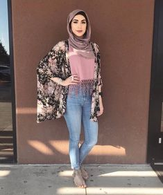T adarkurdish hijab hijab fashion street hijab fashion Modern Hijab Fashion, Muslim Women Fashion, Street Hijab Fashion, Islamic Fashion, Abaya Fashion, Modest Fashion, Fashion Outfits, Fashion Trends, Hijab Casual