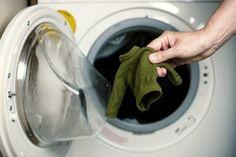 Como evitar que a roupa encolha? - http://comosefaz.eu/como-evitar-que-roupa-encolha/