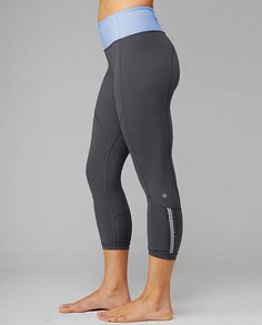 Fitness Gyms Outfits : lulu lemon crops love the little ruffle on the calf Athletic Outfits, Athletic Wear, Sport Outfits, Workout Attire, Workout Wear, Workout Pants, Skinny, Gym Wear, Fitness Fashion