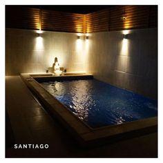 """Piscinas Con Diseño Chile   . .#piscinadehormigon #piscinascondiseñochile #piscinascondiseño #santiago #chile #tripticodiseñoyconstruccion…"""" Zen, Santiago Chile, Ideas Para, Instagram, Swimming Pool Construction, Night, Projects"""