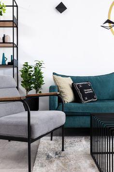 כורסה אפורה וספה ירוקה בסלון מודרני Gray couch and green sofa in modern livingroom Throw Pillows, Bed, Home, Toss Pillows, Cushions, Stream Bed, Ad Home, Decorative Pillows, Homes