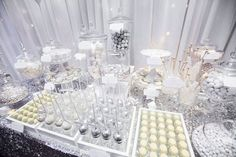 ideas wedding table winter candy buffet for 2019 Lolly Buffet, Candy Buffet Tables, Dessert Tables, Bling Candy Buffet, Wedding Candy Table, Wedding Desserts, Wedding Cakes, Wedding Gowns, 25th Wedding Anniversary