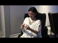 ▶ Outlander author Diana Gabaldon talks about writing sex scenes .....