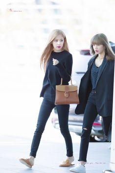 Fashion Idol, Kpop Fashion Outfits, Blackpink Fashion, Fashion Pants, Korean Fashion, Womens Fashion, Pink Outfits, Casual Outfits, Airport Fashion Kpop