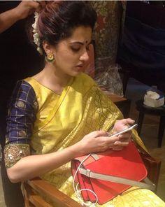 Makeup Pattu Saree Blouse Designs, Blouse Designs Silk, Saree Blouse Patterns, Bridal Blouse Designs, Stylish Blouse Design, Stylish Dress Designs, Embroidery Neck Designs, Indian Blouse, Blouse Styles