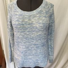 Old navy pale blue and white marled knit sweater L Old navy pale blue and white marled knit sweater, women's size large, gorgeous stretchy soft material, very flattering fit! Worn once- like new Old Navy Sweaters Crew & Scoop Necks