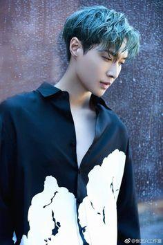 Yixing Exo, Baekhyun Chanyeol, Exo Ot12, Kaisoo, What Is My Life, Exo Do, Kim Minseok, Kpop Exo, Asian Hotties