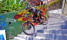 Novo circuito da Descida das Escadas de Santos tem 541 degraus