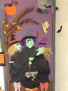 Halloween decorating ideas halloween door contest , ideas for Halloween Classroom Decorations, Holiday Door Decorations, Halloween Home Decor, Halloween Signs, Halloween Crafts, Halloween Bulletin Boards, Halloween Horror, Spirit Halloween, Halloween Office