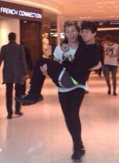 "#imagine Luke: ""It's so good to see you! Please take your boyfriend. He refused to walk again until he saw you."""