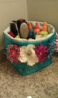 It will be easier to get ready in the morning if you contain the counter clutter by placing your hair products and brushes in the MINI UTILITY BIN www.mythirtyone.com/305150