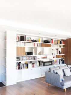 renovation apartment paris 14 – view library living room Source by blandinepardon Style At Home, Built In Shelves, Built Ins, Home Living Room, Living Spaces, Bookshelves In Living Room, Bookcases, Muebles Living, Apartment Makeover