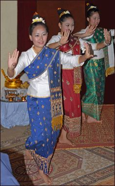 Traditional dance during Baci ceremeony in Lao - Culture of Laos -