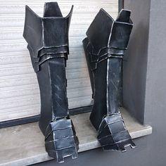 DIY Batman Arkham Knight Foam Armor Tutorial Kit - Includes Patterns, Tutorial Videos, and Materials List Diy Batman, Batman Suit, The Snake, Batman Cosplay, Cosplay Armor, Cosplay Diy, Cosplay Costumes, Dremel, Armor Boots