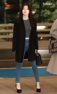 Fashion Idol, Kpop Fashion Outfits, Korean Outfits, Girl Fashion, Airport Fashion Kpop, Red Velvet Photoshoot, Ft Tumblr, Red Velvet Irene, Velvet Fashion