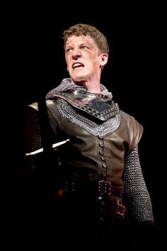 Zach Appelman (Henry V), Henry V, directed by Robert Richmond, Folger Theatre, 2013. Photo by Scott Suchman.