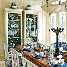 Casual & Stylish Thanksgiving Table | A Relaxed, Never Stuffy, Meal | SouthernLiving.com