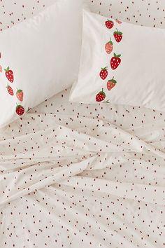 Strawberry Sheet Set