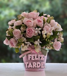 16 Ideas Flowers Roses Bouquet Birthday Floral Arrangements For 2019 Flowers Roses Bouquet, Pretty Flowers, Fresh Flowers, Silk Flowers, Spring Flowers, Pink Roses, Wedding Flowers, Faux Flowers, Rosen Arrangements