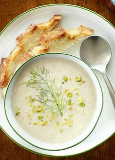 Roasted Cauliflower and Fennel Soup a fresh creamy spring soup topped with roasted pistachios. Cauliflower Soup, Roasted Cauliflower, Chicken Soup Recipes, Chili Recipes, Korma, Biryani, Fennel Soup, Chicken Fennel, Spring Soups