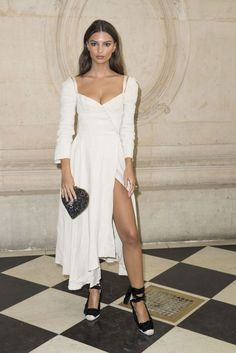 Emily Ratajkowski || Christian Dior Show, Paris (September 26, 2017)