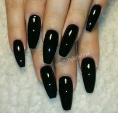 Long black coffin nails Halloween is coming. Long Black Nails, Black Coffin Nails, Black Acrylic Nails, White Nails, Fancy Nails, Love Nails, Pretty Nails, My Nails, Gorgeous Nails