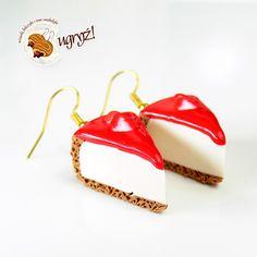 kolczyki sernik truskawkowy od UGRYŹ! Wisiorki, kolczyki i inne smakołyki.