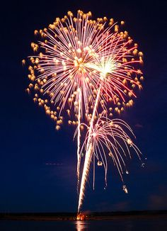 Fireworks at Lake Linden by Srichand Pendyala, via Flickr