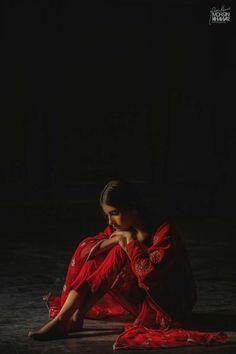 Sad Girl Photography, Alone Photography, Dreamy Photography, Creative Portrait Photography, Shadow Photography, Cute Girl Poses, Cute Girl Pic, Stylish Girl Pic, Girl Photo Poses