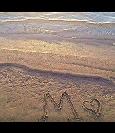 م M Wallpaper, Alphabet Wallpaper, Cellphone Wallpaper, Beautiful Arabic Words, Beautiful Images, Buddha Doodle, Stylish Alphabets, M Letter, Best Friendship Quotes