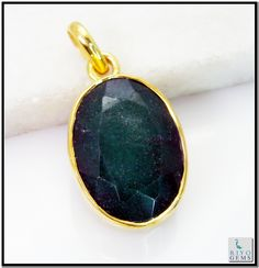 Indian Emerald Gem Stone 18-Kt Gold Platings Graduated Pendant L 1.25in Gppiem-3221 http://www.riyogems.com