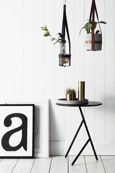 Zakkia hanging planters l Black leather strap hanging planter l Tan leather strap hanging planter
