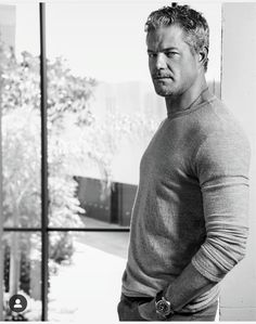 he really works the grey hair Eric Dane, Mark Sloan, The Last Ship, Hottest Male Celebrities, Matthew Mcconaughey, Celebrity Babies, Leonardo Dicaprio, To My Future Husband, Greys Anatomy