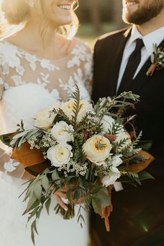 This bohemian wedding bouquet by is such a beautiful accessory for a bride. Featuring magnolia leaves, caramel antike roses, and greene. Fall Wedding Bouquets, Fall Wedding Flowers, Fall Wedding Colors, Bridal Flowers, Flower Bouquet Wedding, Floral Wedding, Trendy Wedding, Autumn Wedding, Magnolia Bouquet