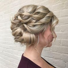 23 Cute Prom Hairstyles for 2019 - Updos, Braids, Half Ups & Down Dos Style sans souci Cute Prom Hairstyles, Ball Hairstyles, Formal Hairstyles, Latest Hairstyles, Down Hairstyles, Straight Hairstyles, Prom Hair Down, Prom Hair Updo, Hair To One Side