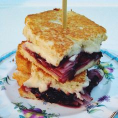 Ham and Brie Grilled Cheese ~ The brie-cherry-ham-mustard flavors are ...