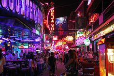 Soi cowboy Bangkok Tailandia - A Guide to Bangkok's Red Light Districts - Thailand Travel Thailand Shopping, Thailand Travel, Bangkok Bar, Only By The Night, Thailand Destinations, Thailand Adventure, Dark City, Red Light District, Good Massage