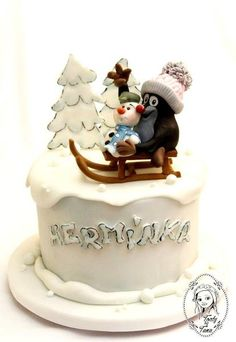 for a little girl, who loves winter :-) Christmas Cakes, Christmas Baking, Beautiful Cakes, Amazing Cakes, Single Tier Cake, Cupcake Cakes, Cupcakes, Baby Girl Cakes, Fondant Decorations
