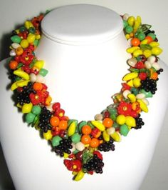 vintage (50's/60's ?) mini fruit necklace ! my single tier 80's version is nothing compared to this.