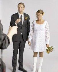 Mia Skäringers brudklänning i Solsidan - BröllopsGuiden