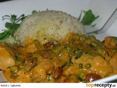 Hydinové soté (morčacie) s hráškom a hrozienkami Grains, Rice, Chicken, Meat, Food, Recipes, Eten, Seeds, Meals