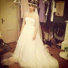 Backstage på brudeshowet på villa møllebakken.  #brudehuset Wedding Fair, Photoshoot, Wedding Dresses, Fashion, Bride Dresses, Moda, Bridal Gowns, Photo Shoot, Wedding Dressses