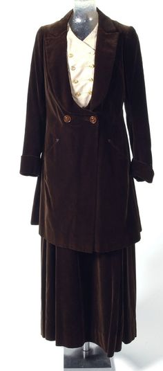 1917, America - Suit: Jacket and Skirt with Attached Belt by Nardi, New York - Brown cotton velveteen