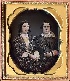 BEAUTIFUL-YOUNG-WOMEN-AFFECTIONATE-POSE-MOURNING-1-6-PLATE-DAGUERREOTYPE-D553