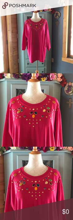 ROAMAN'S Beautiful Top with Gems!! Brand NEW!! Gorgeous embellished tee w/ gem-like jewels on the front. An assortment of beautiful colors w/solid gold colored jewels as well. Easy pull over tee style top. Brand NEW. Does have natural stretch to it. Very well made. Women's Plus sz 2XL. 50% polyester 50% cotton Washable/cool setting on dryer. Absolutely gorgeous top!  Unique & stylish. Brand new no tags. Didn't come w/tags. Never worn except on model. Use the bundle option for an amazing…